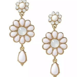 BANANA REPUBLIC White Catalina Floral Drop Earring